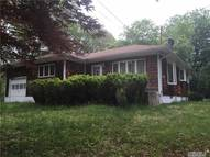 87 Sally Ln Ridge NY, 11961