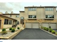 56 Woodmont Dr Lawrence NJ, 08648