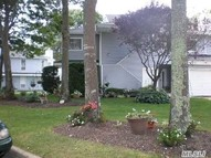 7 Lakeview Dr Manorville NY, 11949