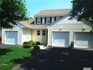 14 Blackberry Riverhead NY, 11901