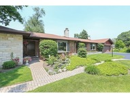 1033 Apple Creek Lane Des Plaines IL, 60016