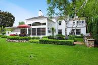 9637 N Courtland Dr Mequon WI, 53092
