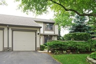 124 Honeysuckle Court Rolling Meadows IL, 60008