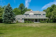 22 Chaucer Dr Hackettstown NJ, 07840