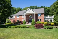 25 Powderhorn Dr Butler NJ, 07405
