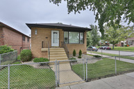 3524 East 114th Street Chicago IL, 60617
