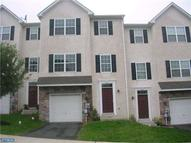 1643 Laura Ln Pottstown PA, 19464