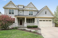 6122 Plymouth Street Downers Grove IL, 60516