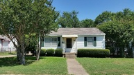 1319 Hansboro Ave Dallas TX, 75224