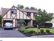 271 Chapel Dr Holland PA, 18966