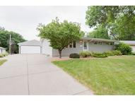 5043 Nine Mile Creek Circle Bloomington MN, 55437