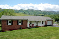 148 Tickle St Bluefield VA, 24605