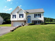 348 Brandon Dr Bluefield VA, 24605