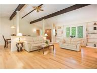 37 Jericho Dr Old Lyme CT, 06371