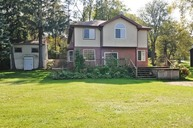 236 Forest Dr Island Lake IL, 60042
