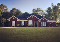 1402 Fall Branch Dr Phenix City AL, 36867