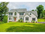 37 Country Woods Ln Southbury CT, 06488