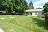 472 West Woodworth Place Roselle IL, 60172