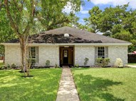 302 Independence Drive Friendswood TX, 77546