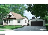 1613 E 10th Street Glencoe MN, 55336