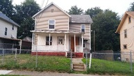 1960 5th St Se Canton OH, 44707