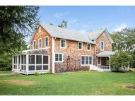 35 Willett Rd Saunderstown RI, 02874