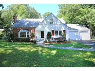 240 Knollwood Dr New Haven CT, 06515
