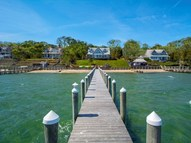 44 Forest Rd Southampton NY, 11968