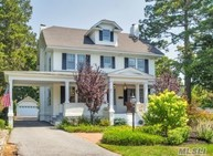 256 Windsor Ave Brightwaters NY, 11718