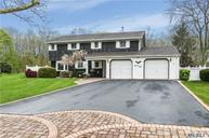 28 Butterfield Dr Greenlawn NY, 11740