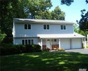 10 Carriage Dr Kings Park NY, 11754