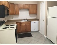 1 Chapel Hill Dr 10 Plymouth MA, 02360