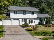 53 Willow St Wheatley Heights NY, 11798
