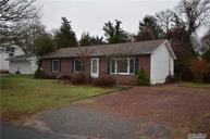 41 Winnie Rd Center Moriches NY, 11934