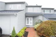 18 Harbour Dr Blue Point NY, 11715