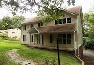 34 Holland Rd Pittsburgh PA, 15235