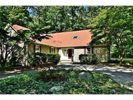 25 Saunders Hollow Rd Old Lyme CT, 06371
