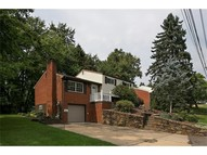 462 Presque Isle Dr Pittsburgh PA, 15239