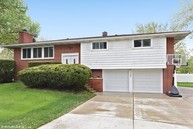 701 Terry Lane Countryside IL, 60525