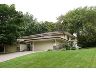 4427 Chatsworth Street N Shoreview MN, 55126