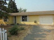 312 D St Riddle OR, 97469