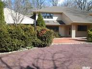 18 Grassfield Rd Great Neck NY, 11024