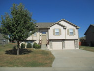 1414 Nw High View Dr Grain Valley MO, 64029