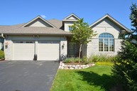 7452 W Heron Pond Dr Mequon WI, 53092