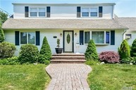 337 W 11th St Deer Park NY, 11729