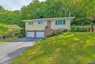 58 Scrivani Dr Wanaque NJ, 07465