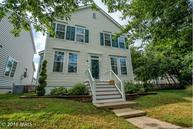 43397 Edgewater St Chantilly VA, 20152