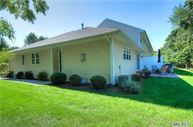 36 Blueberry Cmns Riverhead NY, 11901