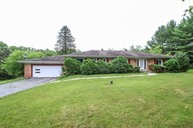 8197 Harvest Hill Dr Roscoe IL, 61073
