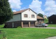 651 Gladden Rd Canonsburg PA, 15317